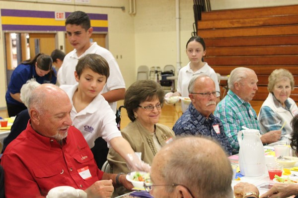 CMS Students Serve Senior Citizens for Fall Fest Oct. 2016